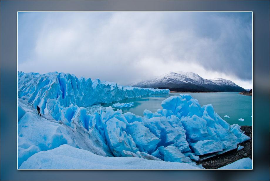 Perito Moreno glacier in Los Glaciares National Park, near El Calafate, Argentina