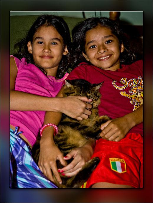 Lorena Mingo and Sahraí, friend of the family.